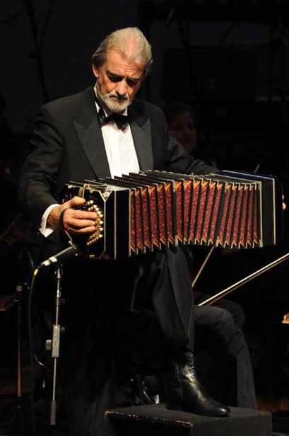 Jazz_Sinf_nica_e_Rodolfo_Mederos_(3765850998).jpg