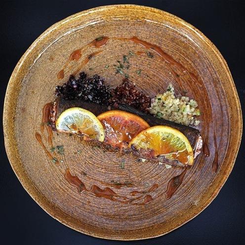 Trucha, quinoas y cítricos