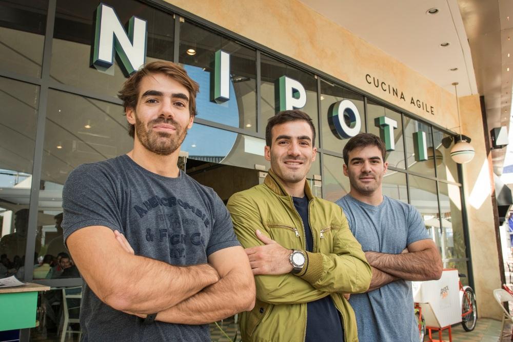 Martin, Joaquin y Santiago Berbera en Nipoti